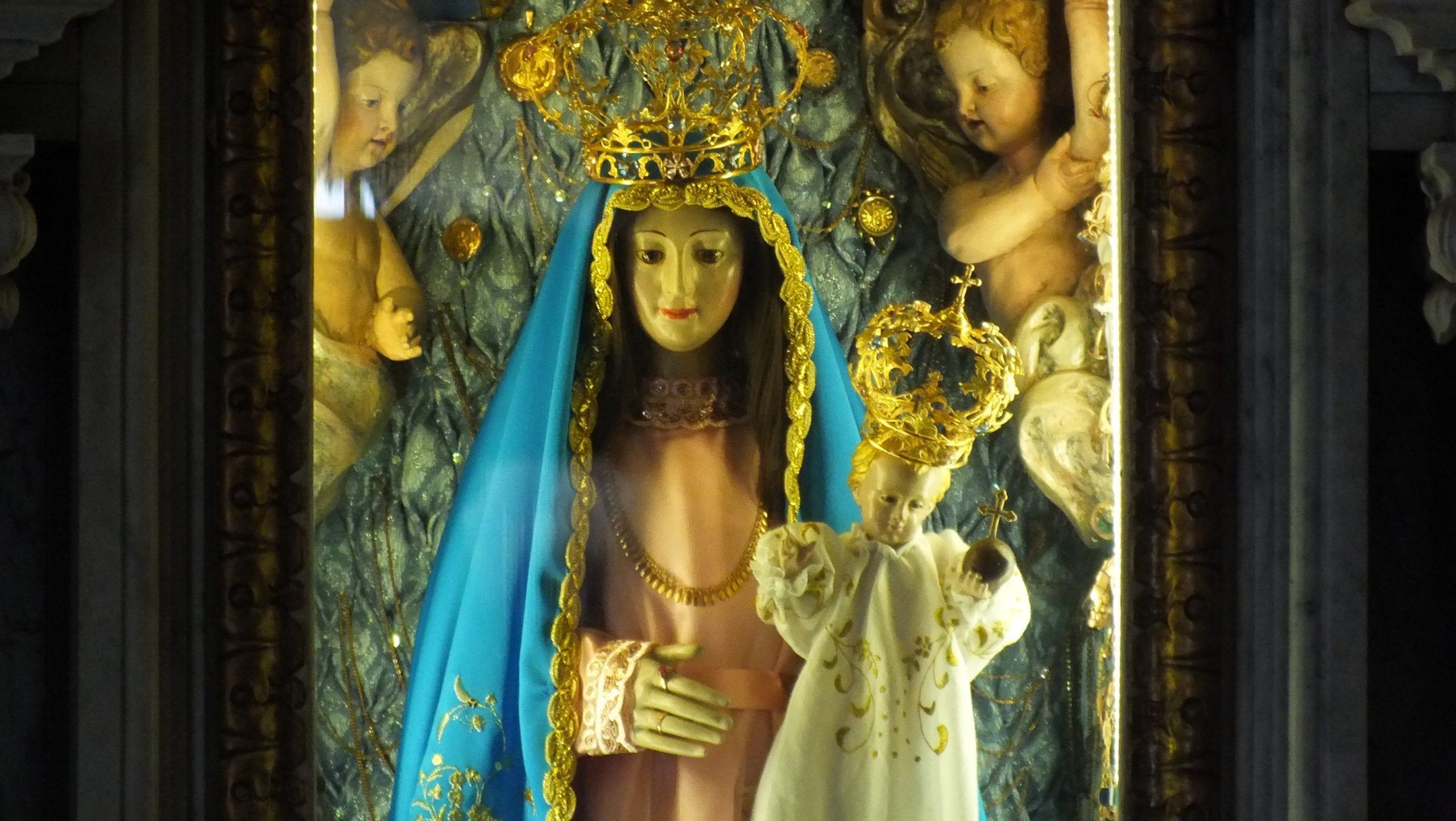 Rezemos a consagração à Nossa Senhora