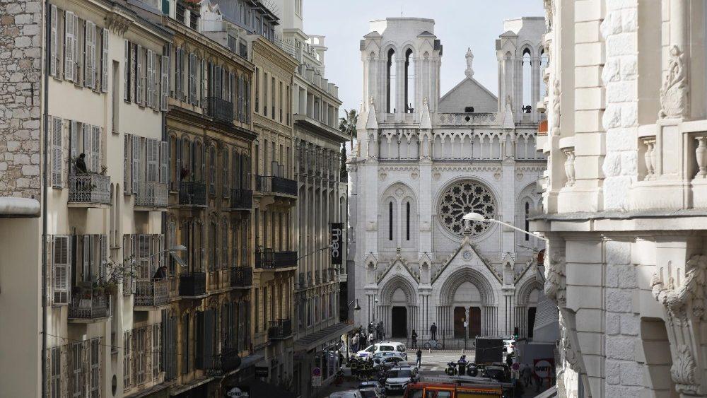Atentado em Nice: Papa reza pelas vítimas e para que cesse a violência