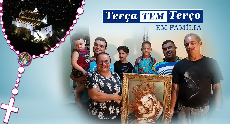 Hoje é dia da família reunida para rezar o Santo Terço
